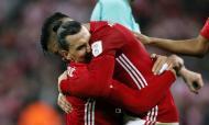 Ibrahimovic e Rojo (AP Images)