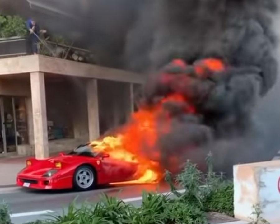 Ferrari F40 arde no Mónaco (reprodução YouTube)