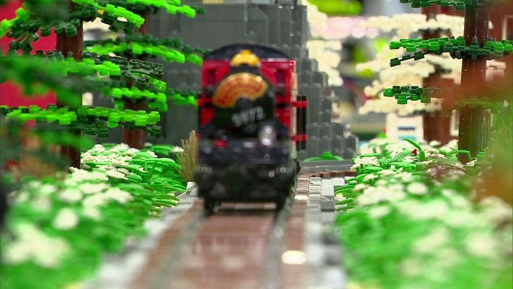 Exposição da Lego tem concerto dos Xutos & Pontapés em miniatura