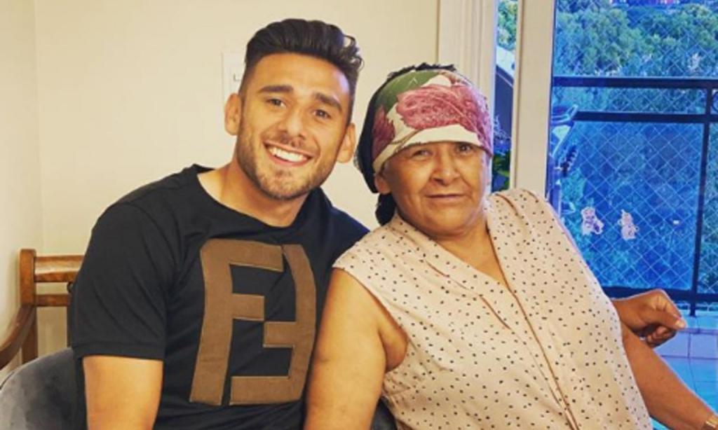 Eduardo Salvio com a mãe