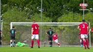 Tiago Dantas bate colocado e faz o 2-0 para o Benfica de penálti