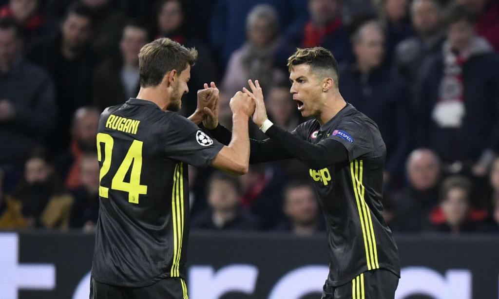 Rugani e Cristiano Ronaldo (AP)
