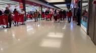 A loucura para entrar num supermercado na Grande Lisboa