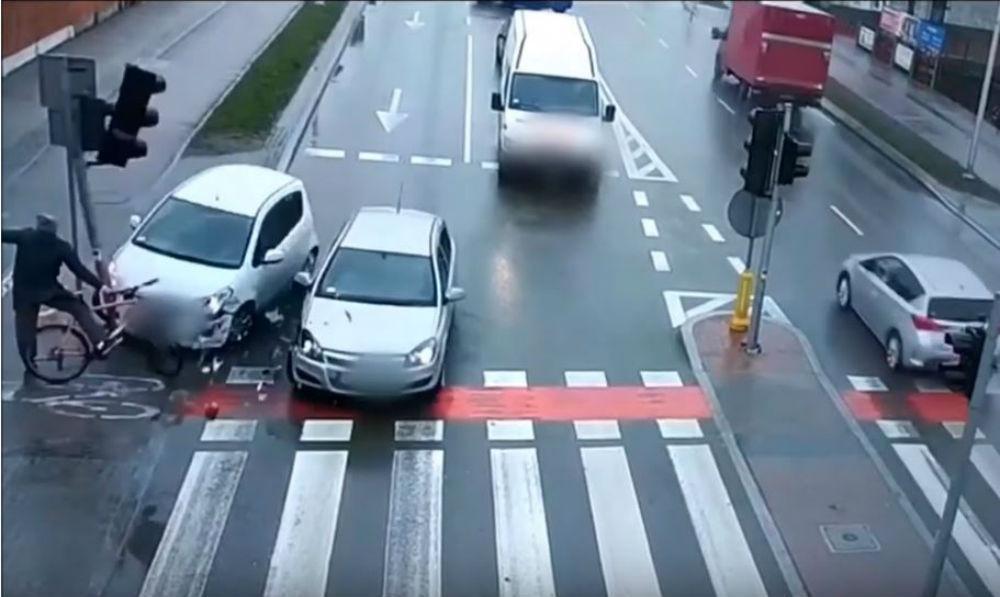 Acidente com ciclista (Reprodução Youtube)