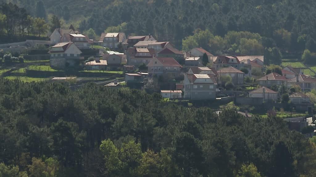 Covid-19: 350 habitantes em isolamento no