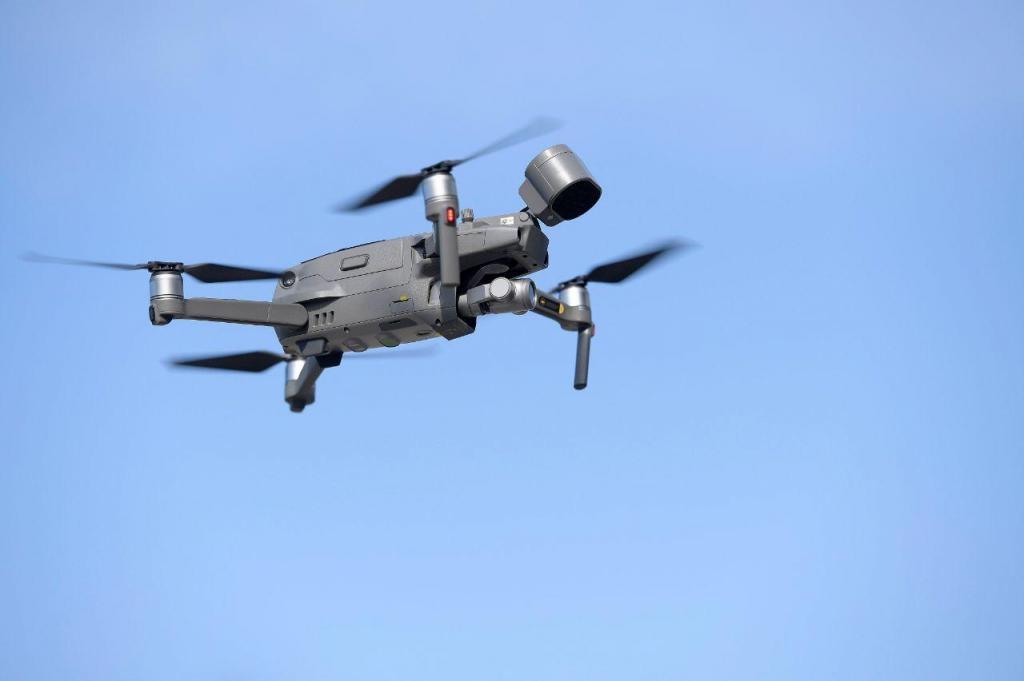 Covid-19: drones sobrevoam Porto