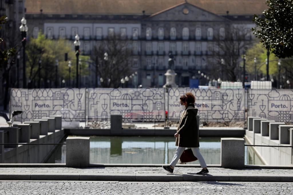 Covid-19: Porto vive dias mais calmos