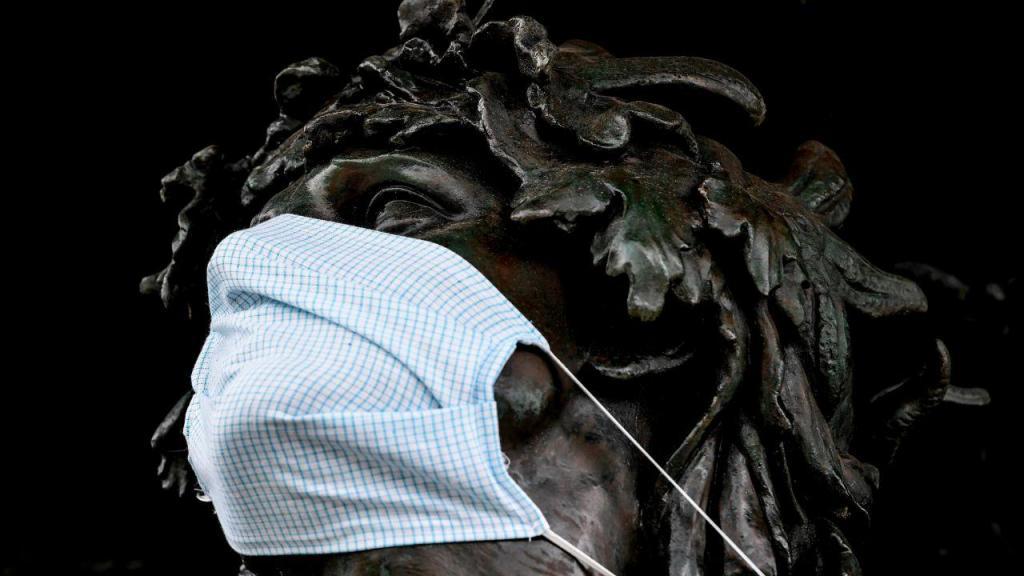 Covid-19: estátuas com máscaras na cidade alemã de Dresden