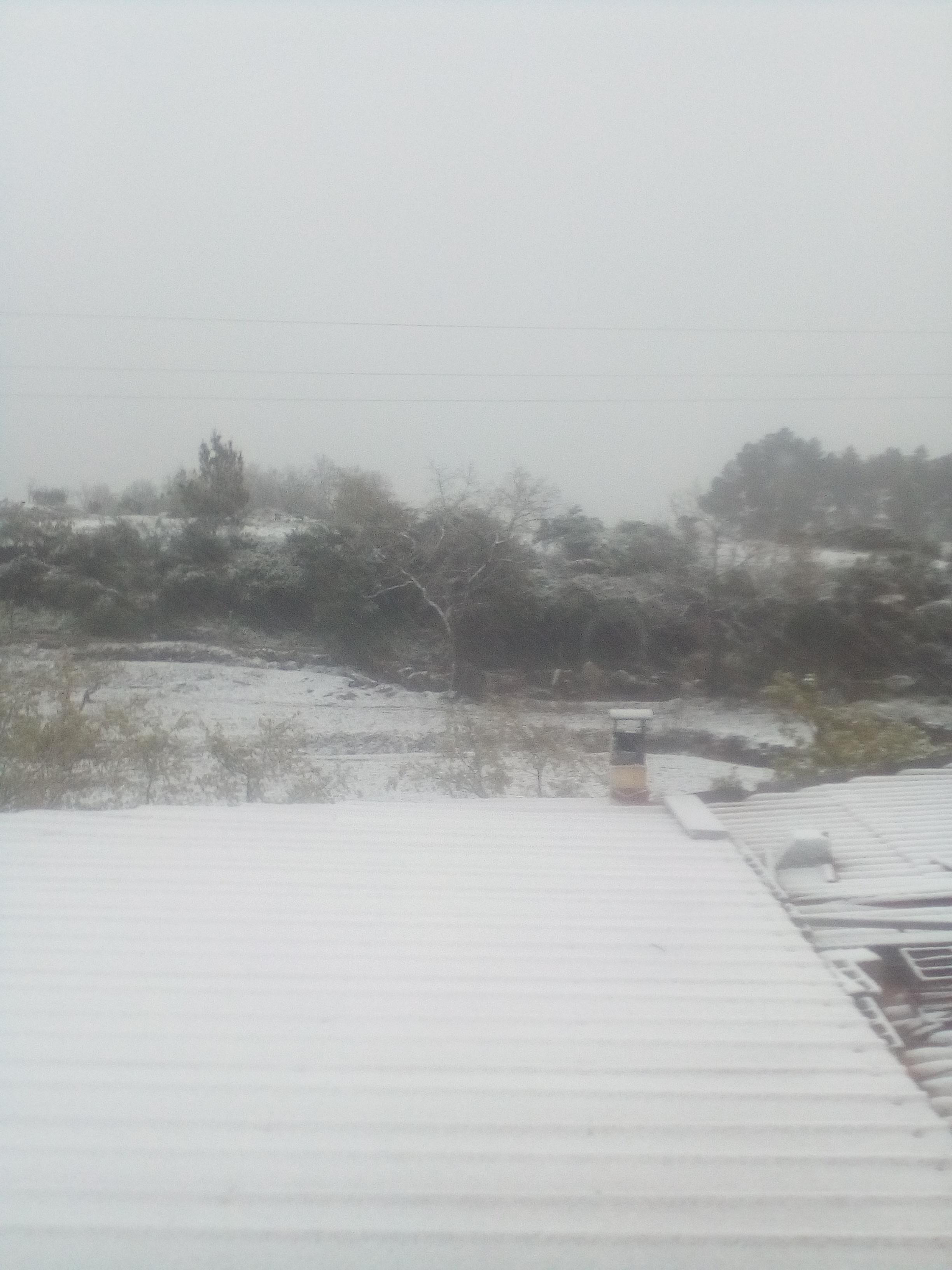 Neve na aldeia de Castanheiras, Covilhã