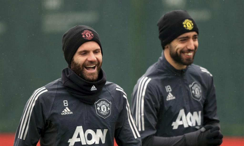 Bruno Fernandes e Juan Mata (AP)