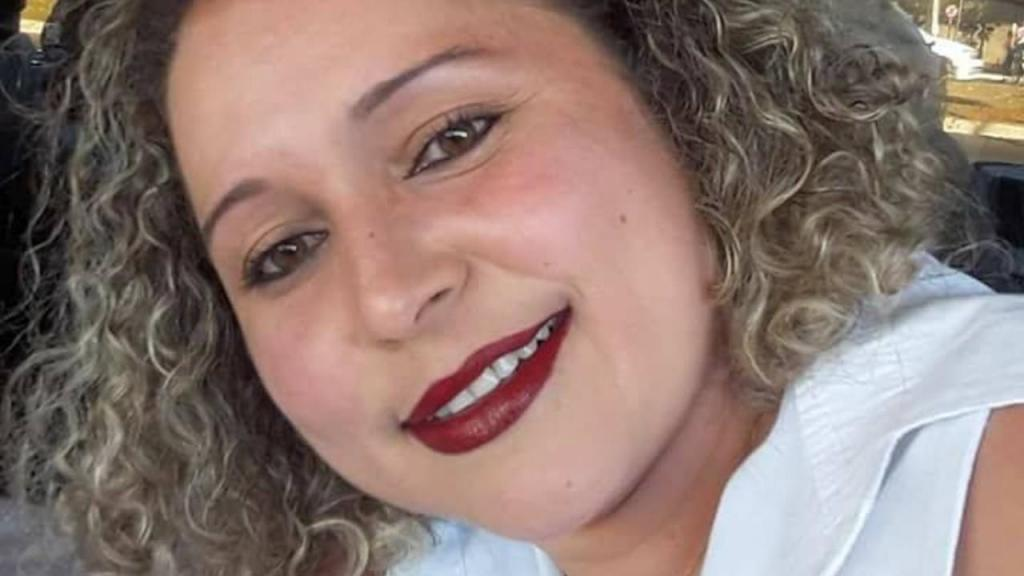 Covid-19: enfermeira que deu a cara por campanha de isolamento social morre infetada