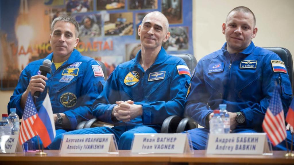 Chris Cassidy, Anatoly Ivanishin e Ivan Vagner