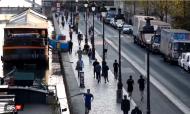VÍDEO: às 19h01, franceses saem à rua para correrem (youtube)