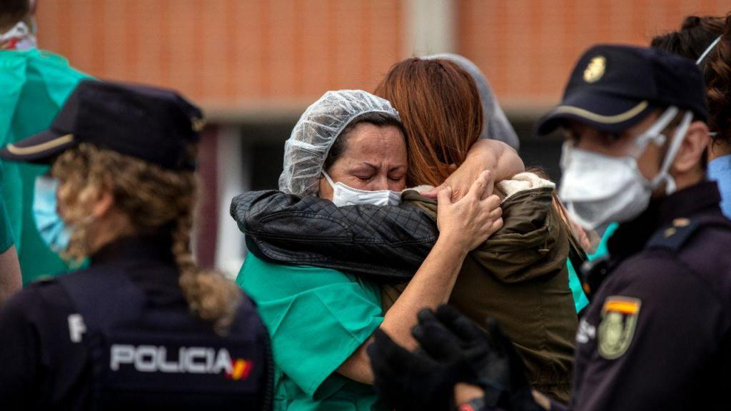 Covid-19: enfermeiros de Leganes choram a morte de um colega