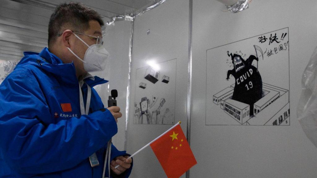 Covid-19: paredes do hospital de Leishenshan, em Wuhan, cheias de desenhos