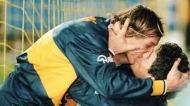 Maradona e Caniggia beijam-se nos tempos do Boca Juniors