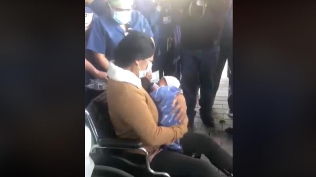 Mãe conhece filho recém-nascido após vencer a Covid-19