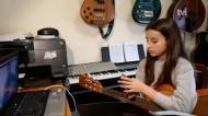 Professores levam música a casa dos alunos