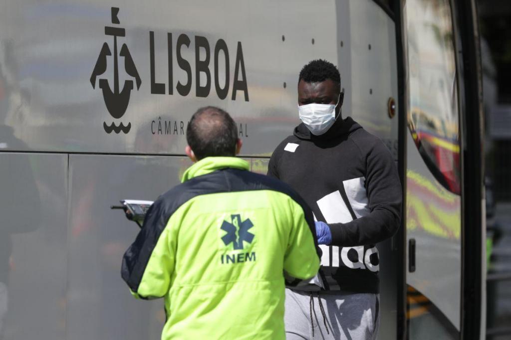 Covid-19: 200 pessoas retiradas de hostel em Lisboa