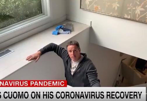 Christopher Cuomo regressa a casa depois de três semanas na cave