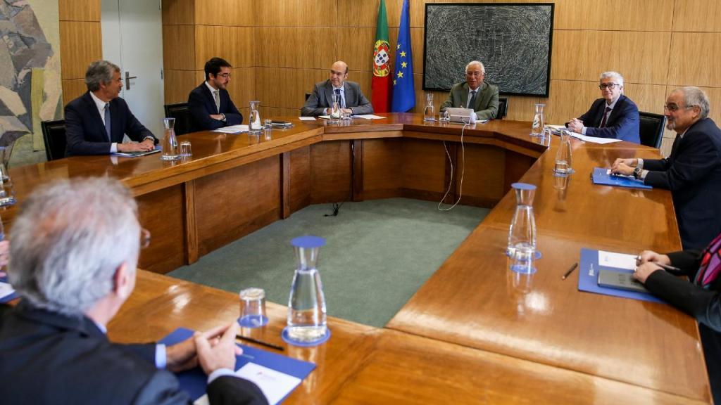 António Costa reunido com representantes do Comércio e Serviços