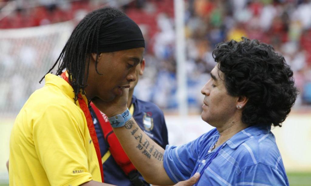 Maradona e Ronaldinho (AP)