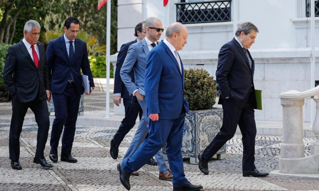 Presidentes de FPF, Liga, Benfica, FC Porto e Sporting recebidos em São Bento (Lusa)