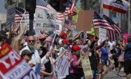 Protestos a Califórnia (EPA/DAVID SWANSON)