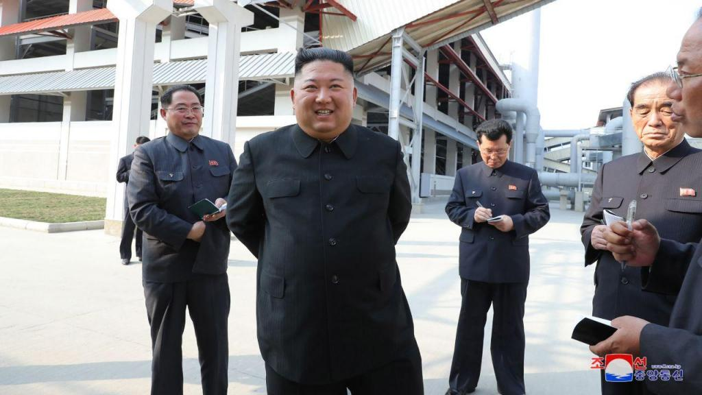 Kim Jong-un volta a aparecer
