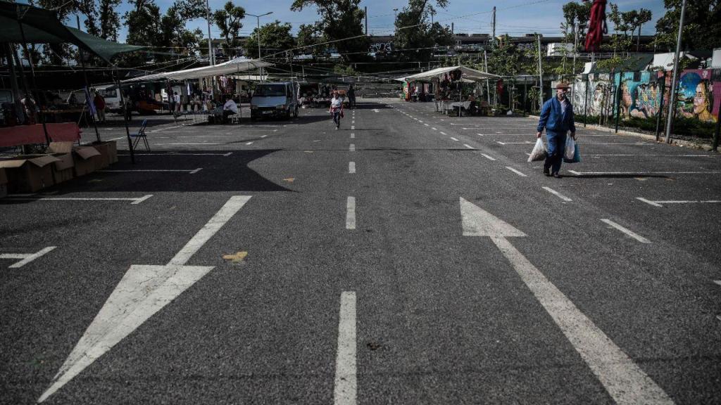 Covid-19: feira de Carcavelos reabre com acesso condicionado
