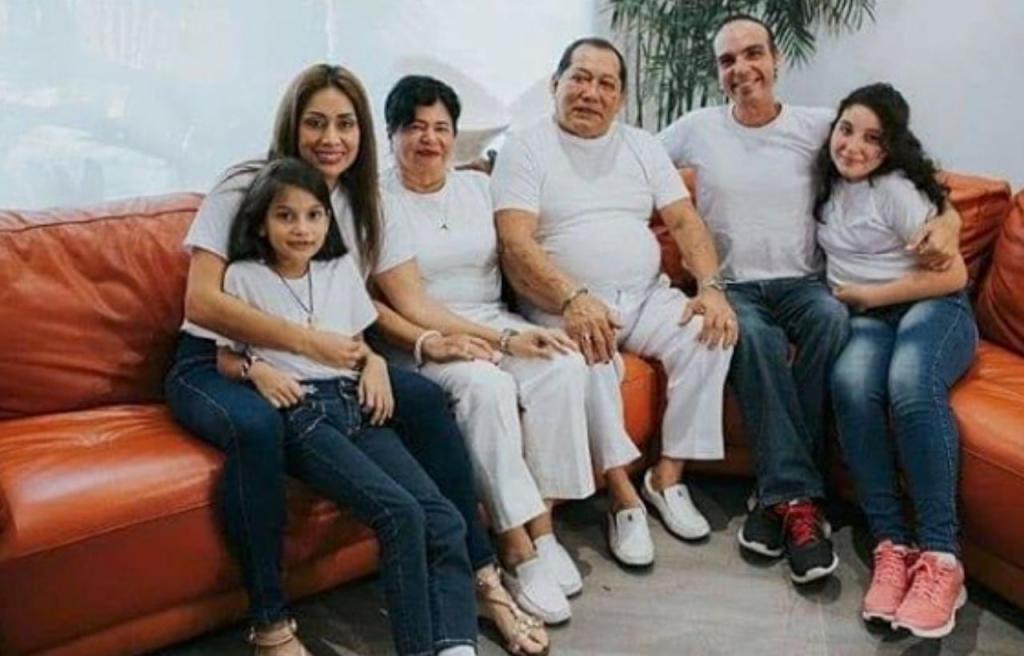 Paulina Carvajal de González e família
