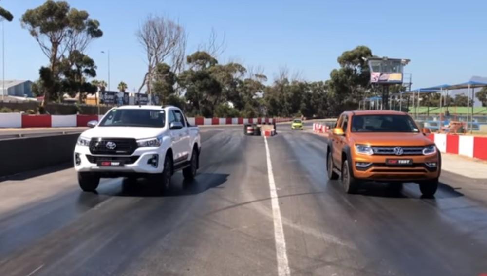 VW Amarok vs Toyota Hilux (Reproduçao Youtube Carmag)