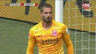 Trapp evita empate do Wolfsburgo com duas «manchas» enormes