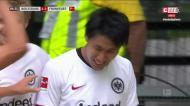 Kamada faz o 2-1 para o Eintracht após assistência de Bas Dost