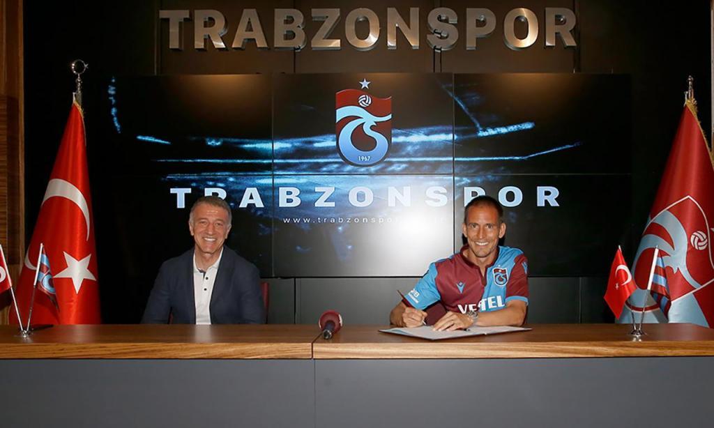 João Pereira renova pelo Trabzonspor em cerimónia do clube