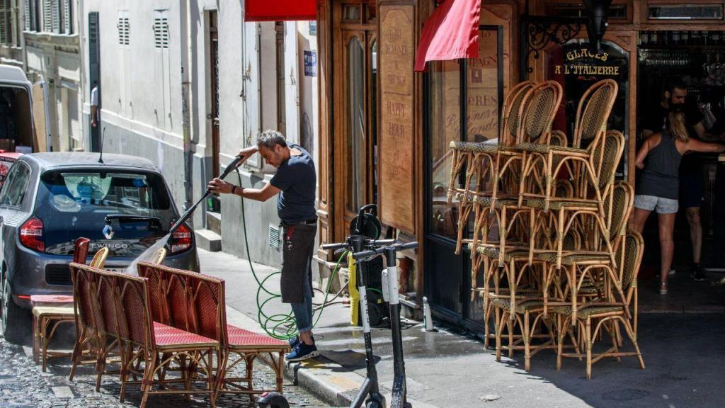 Covid-19: as imagens do desconfinamento na Europa - Paris