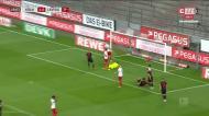 Cabeça de Schick dá o empate ao Leipzig em Colónia