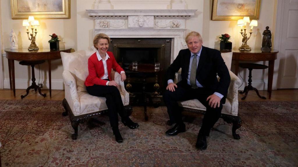 Ursula Von der Leyen e Boris Johnson