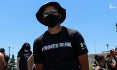 VÍDEOS e FOTOS: Curry e Klay Thompson juntam-se a protesto anti-racista