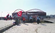 Ambiente no exterior do Estádio da Luz