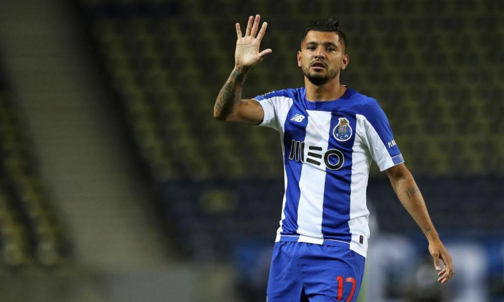 Avançado: Corona, FC Porto