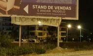 Tarja contra Lage e Luís Filipe Vieira a cerca de 100 metros do Seixal, após o empate do Benfica em Portimão (Nuno Chaves)