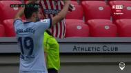 Diego Costa dedica golo a jogadora operada a tumor cerebral