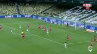 Rui Silva adivinha o lado, mas não evita o empate do Betis de penálti