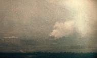 Fumo no complexo industrial inter-coreano na cidade fronteiriça norte-coreana de Kaesong, visto de Paju, Coreia do Sul, em 16 de junho de 2020 (Yonhap)