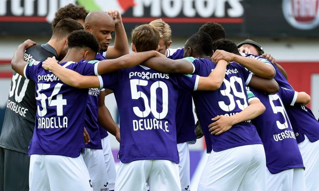 Anderlecht, Bélgica: 34 títulos (RSC Anderlecht)