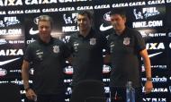 Leandro Cuca, treinador adjunto Al Ittihad, à direita na foto (twitter)