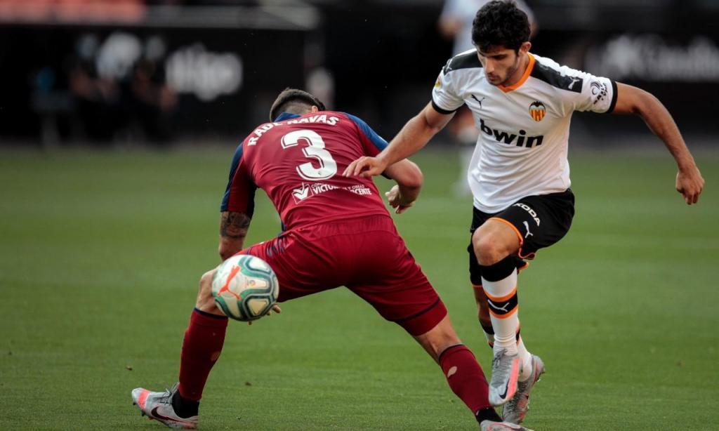 Gonçalo Guedes em destaque no Valencia-Osasuna