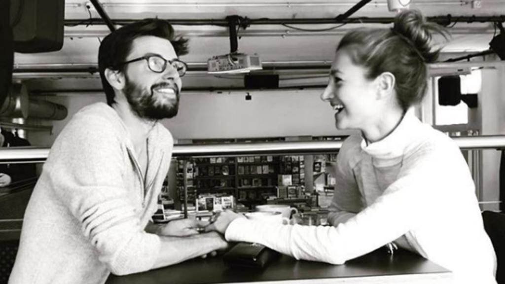 Jovem cria aplicação de namoros após perder grande amor e recupera-o sete anos depois