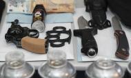 Material apreendido pela PSP na operação «Sem Rosto» em que sete elementos dos No Name Boys foram detidos (ANTÓNIO COTRIM/LUSA)